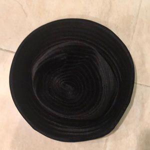 NWOT Eric Javits black velvet hat